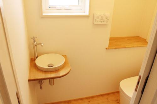 新築1のトイレ