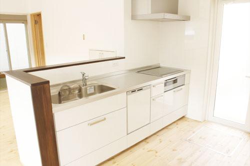 新築1のキッチン