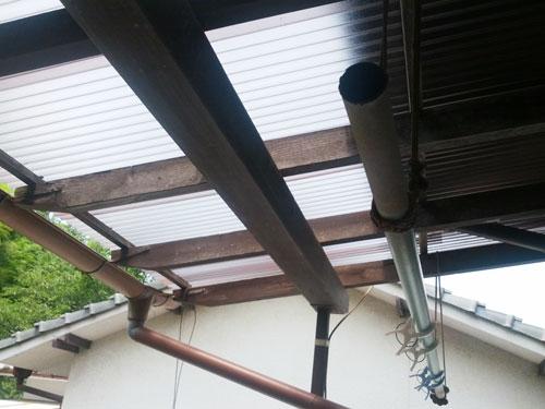 波板の屋根の張替